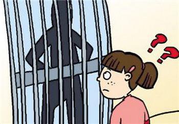 8岁女孩放学后被尾随入室抢劫,机智3句话吓跑坏人