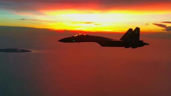 空军苏-35战机近日飞赴南海参加联合战斗巡航任务