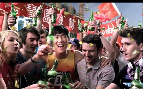 """青岛啤酒开启""""全明星周末""""为自信的激情喝彩"""