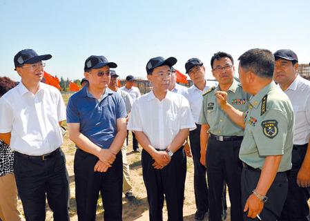 大同:丰立祥李俊明等参加八一军事日活动-国