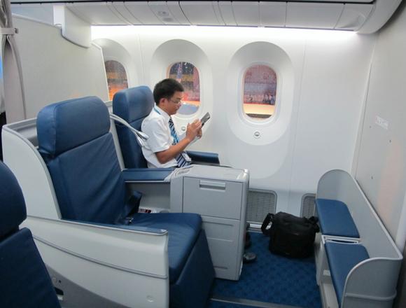 厦航首架宽体客机波音787正式加盟