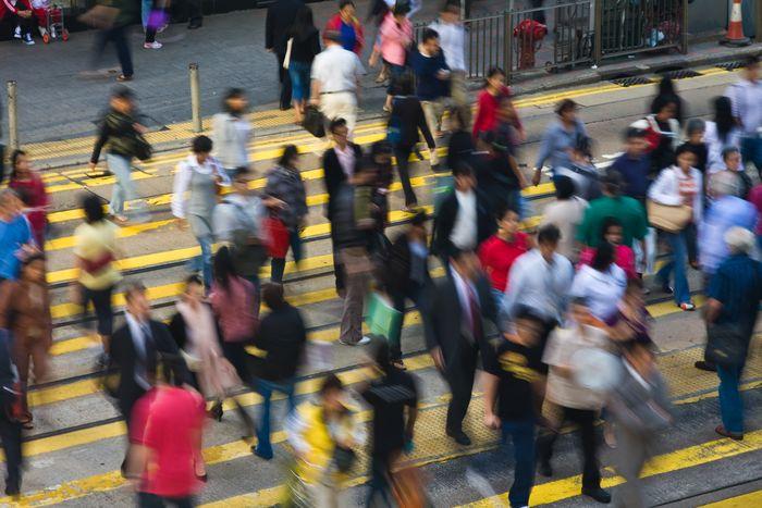 香港的人口密度_九龙城寨:香港曾经最拥挤的地方,一平方公里住190万人