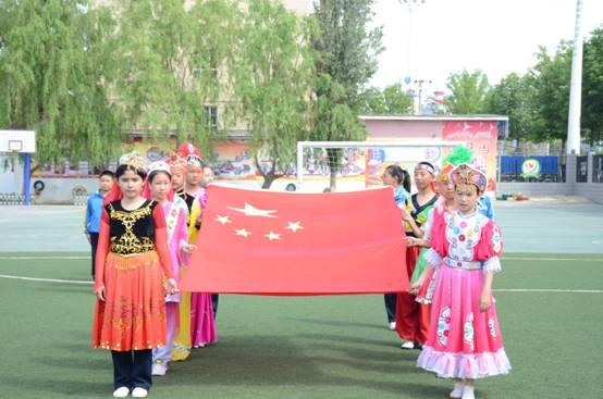 塔城市各小学开展民族集体舞进校园活动 共促民族团结