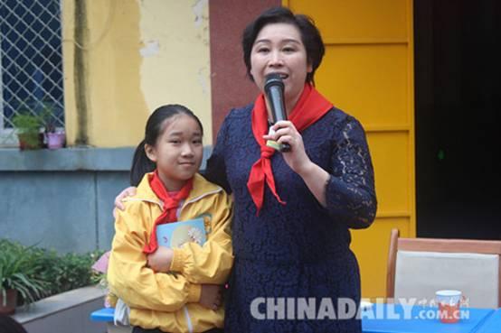 著名儿童作家王一梅来石向小学生传授写作法宝