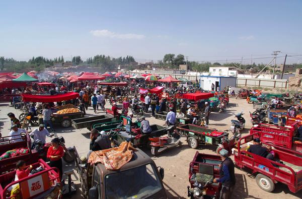 图片新闻--零距离感受热闹非凡的库车老城巴扎