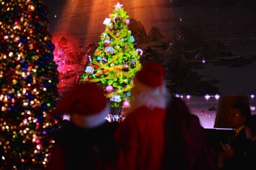 三维立体灯光效果的圣诞树