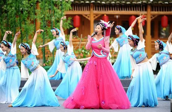 """4月9日,贵阳乌当新堡布依族""""三月三""""民族文化活动在乌当区新堡乡举行"""