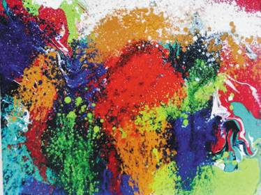 王洪俊的抽象绘画独树一帜,流畅的线条和绚烂的色彩之外,更有神秘的