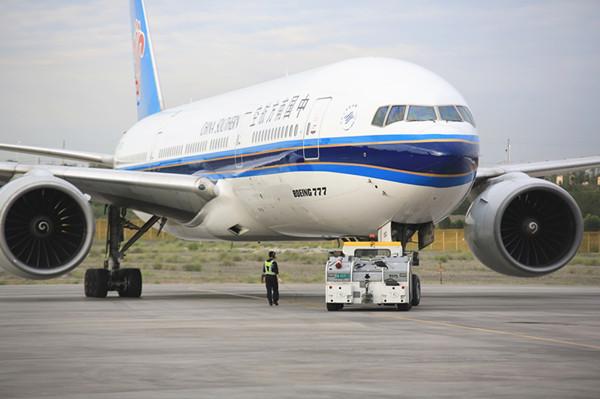 南航新疆分公司使用波音777机型执行