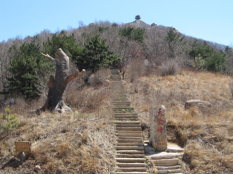 图为祖山风景区——天女峰.(2017年4月24日,记者 黄硕 摄)