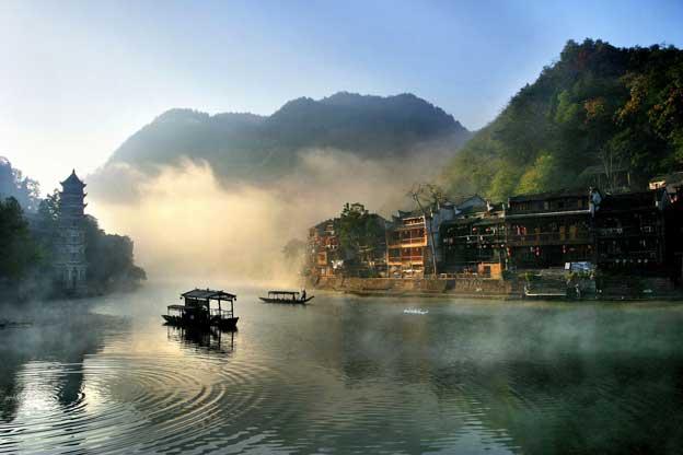 湘西黑白山水风景图片